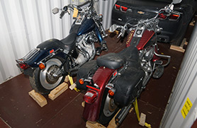 weltweiter motorrad transport. Black Bedroom Furniture Sets. Home Design Ideas